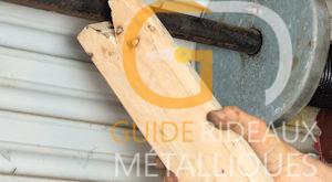 Comment effectuer le démontage du rideau métallique?